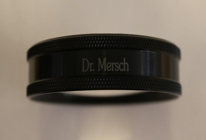 Volk 14D - schwarz mit Gravur: Dr. Mersch
